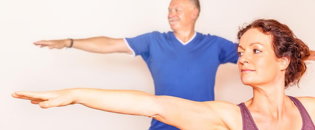 2-people-yoga